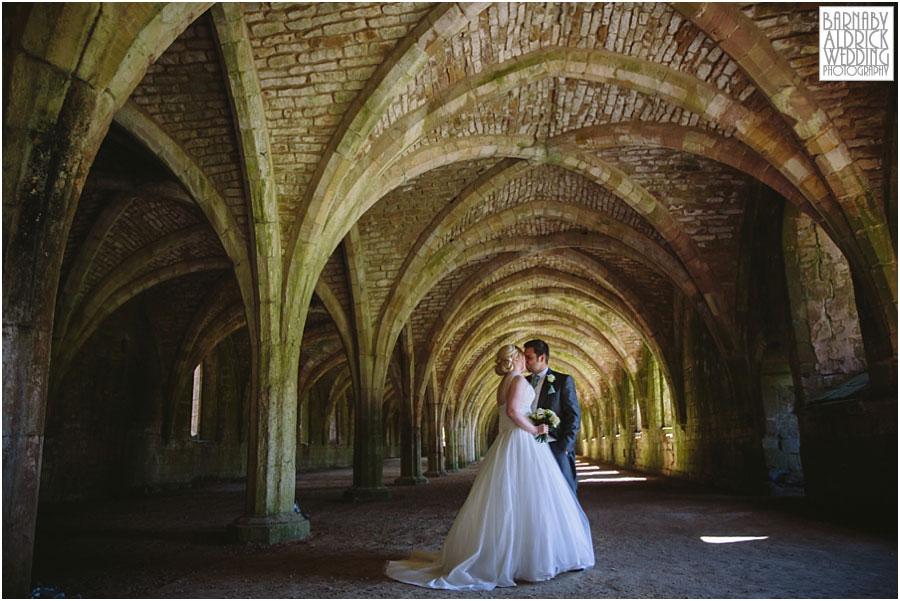 Fountains Abbey Wedding Photography 045.jpg