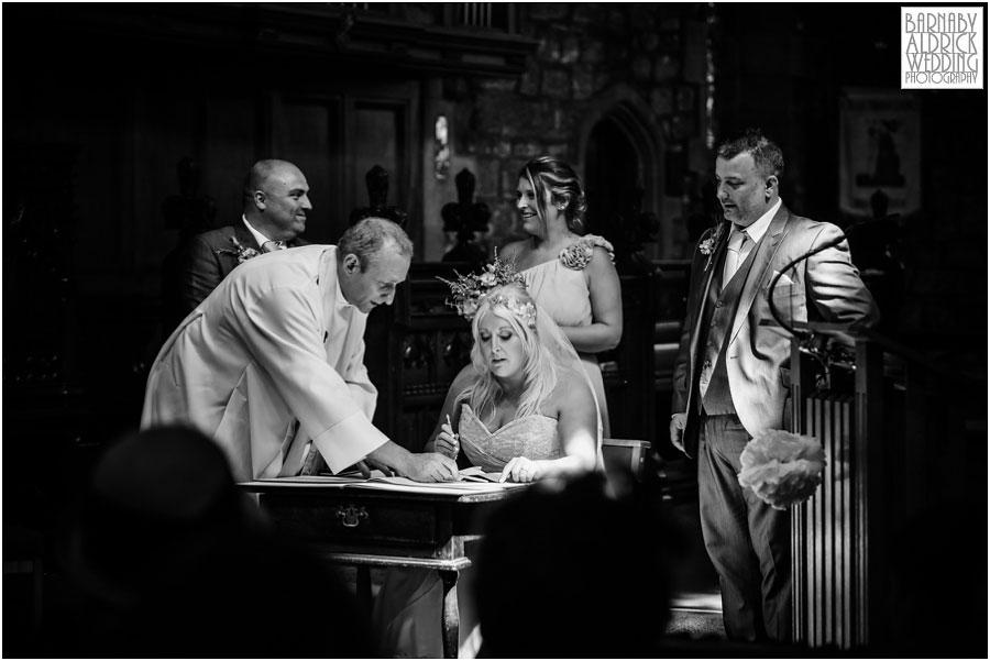 East Riddlesdon Hall Wedding Photography 031.jpg