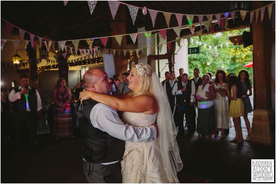 East Riddlesdon Hall Wedding Photography 072.jpg