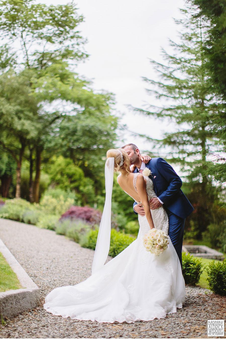 Saddleworth Hotel Wedding Photography near Oldham by Yorkshire and Lancashire Wedding Photographer Barnaby Aldrick 30