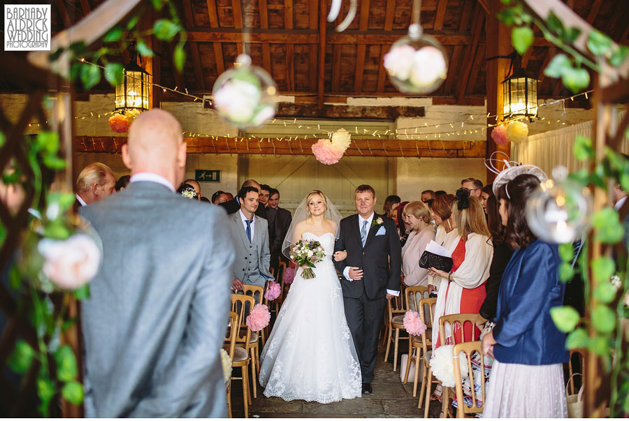 East Riddlesden Hall Wedding Photography by Yorkshire Wedding Photographer Barnaby Aldrick 027