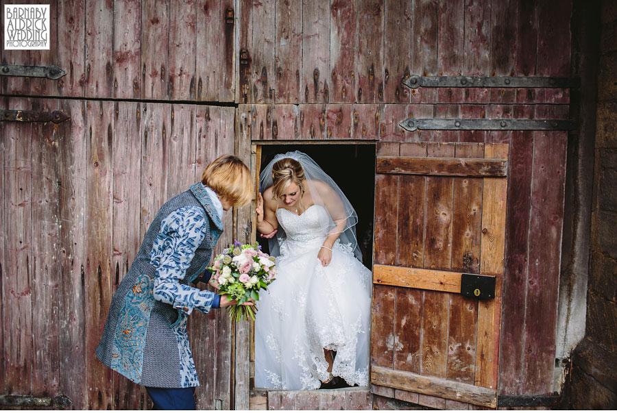 East Riddlesden Hall Wedding Photography by Yorkshire Wedding Photographer Barnaby Aldrick 049