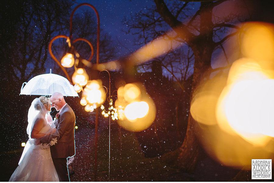 East Riddlesden Hall Wedding Photography by Yorkshire Wedding Photographer Barnaby Aldrick 060