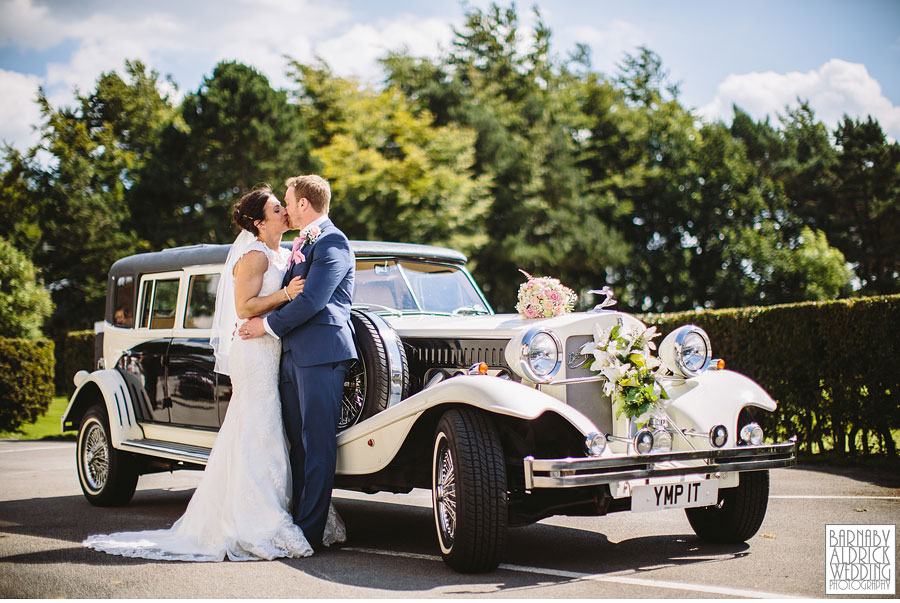 Bradford Golf Course Wedding Photography by Leeds Photographer Barnaby Aldrick 040