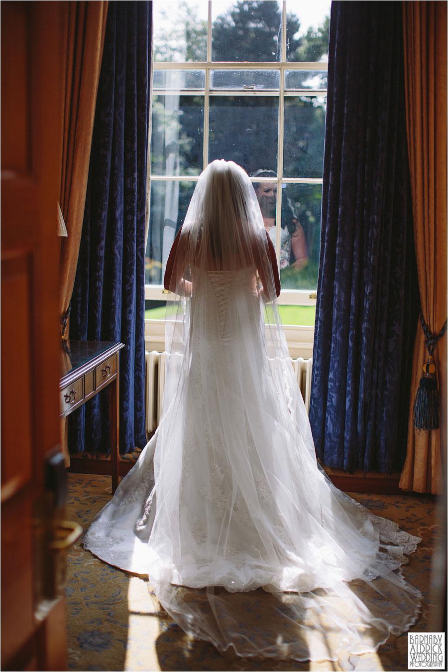 oulton-hall-rothwell-leeds-wedding-photography-024