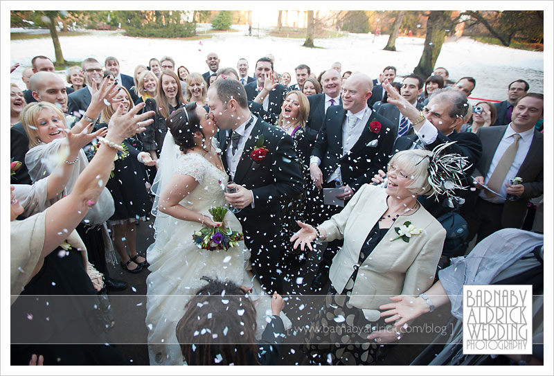 Snowy Hospitium Wedding confetti Photo