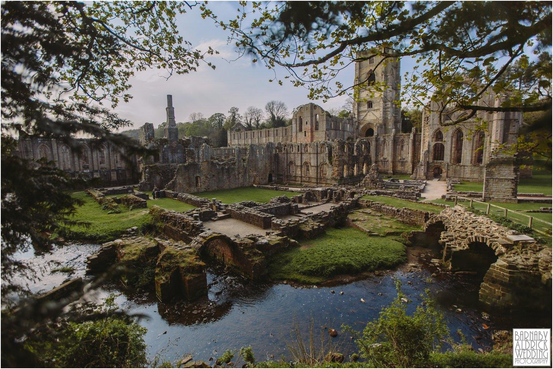 Fountains-Abbey-National-Trust-Wedding-Photographer