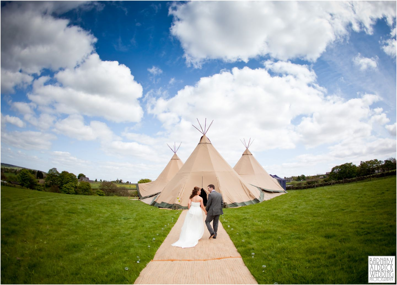 tipi-pole-marquee-wedding-photographer