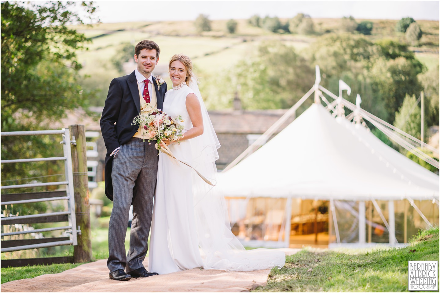 tipi-pole-marquee-wedding-photographer